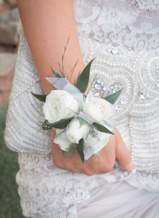 TRADITIONAL ELEGANCE Prom Corsage