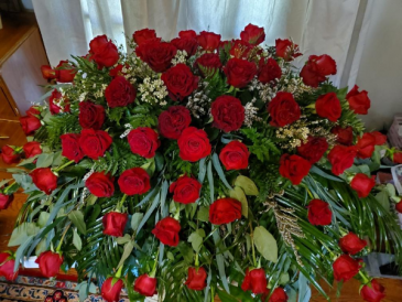 Traditional Red Rose Blanket Spray For Casket