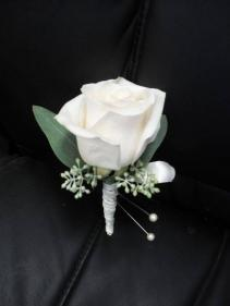 TRADITIONAL SIMPLICITY  Prom Boutonniere