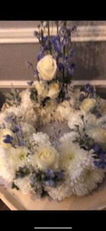 Treasured Memories Urn/Picture Wreath