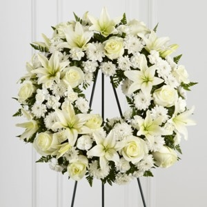Treasured tribute wreath funeral flowers in colorado springs co a treasured tribute wreath funeral flowers mightylinksfo