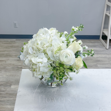 Bianco Vase Arrangement