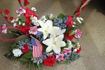 Tribute Memorial Day Gravesite Arrangement