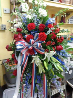 Tribute  standing spray in Tampa, FL | Island Flowers