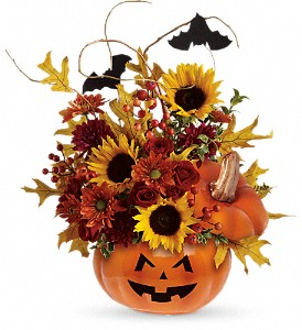 Trick & Treat BouquetT12H100A Halloween in Fort Worth, TX | DAVIS FLORAL DESIGNS