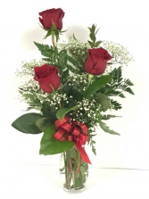 Triple love  three roses in a vase with the option of red, yellow or pink