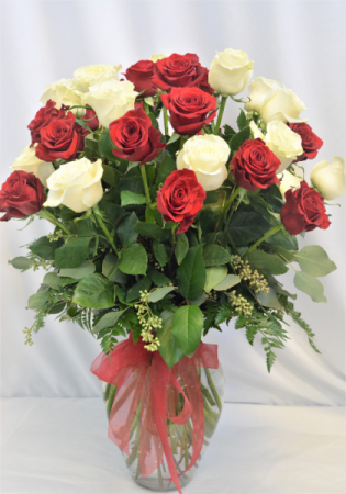 TRIPLE ROSE BEAUTY THREE DOZEN ROSE DESIGN