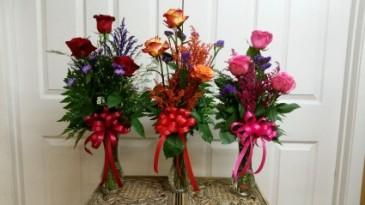 Triple Rose  bud Vase fresh bud vase arrangement