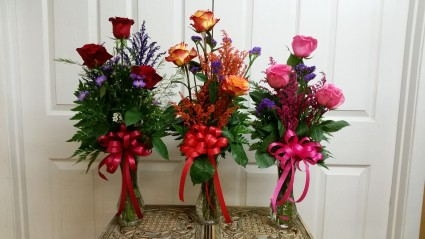 Triple Rose Bud Vase Fresh Bud Vase Arrangement In Mount Pleasant