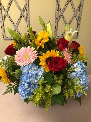 TRIUMPH VASE ARRANGEMENT