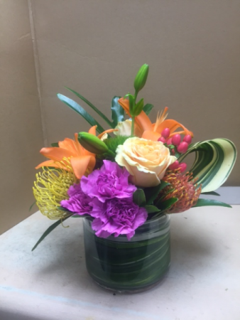 Design class - Tropical Arrangement Friday or Saturday evening 5pm to 6:30pm