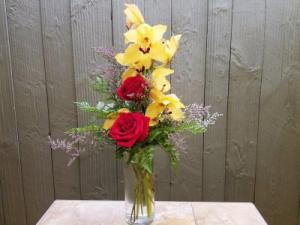Tropical Elegance  Modern/Tropical Designs in Morris, IL | FLORAL DESIGNS & GIFTS