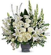 True Horizon Bouquet  T281-4A