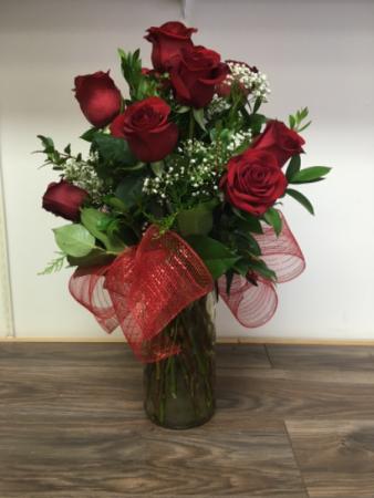 True love 12 rose vase arrangement