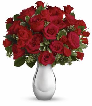 True Romance Bouquet Vase Arrangement in Calgary, AB | Posh Flowers Ltd