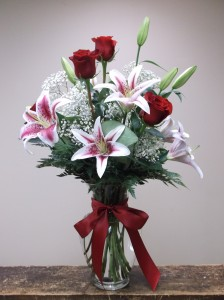 TRUE ROMANCE vase arrangement in Springfield, VT | WOODBURY FLORIST