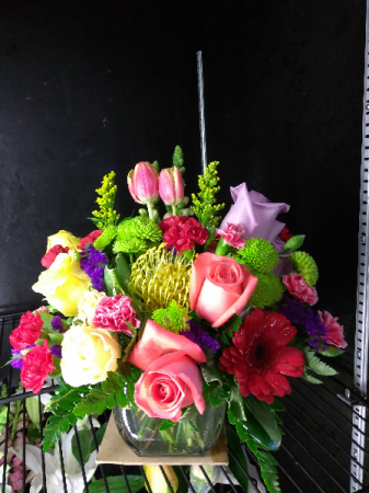True Splender Fresh mixed vase arrangement