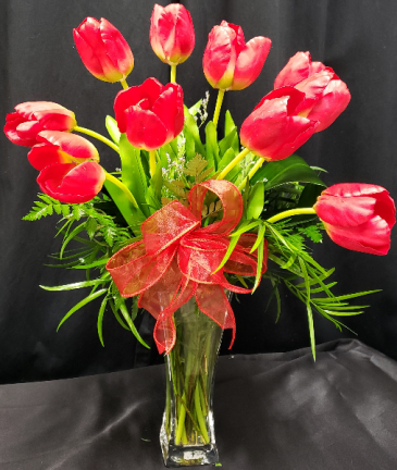 TULIPS FOR TWO LIPS