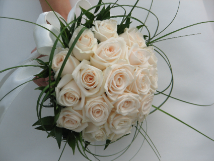 twisted pearl brides bouquet