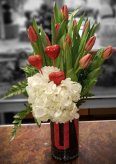 Two-Lips and Hearts Arrangement