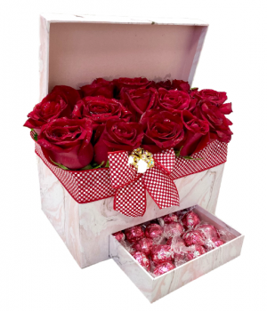 Ultimate Appreciation Boxed Roses & Chocolates  in Mcdonough, GA | Parade of Flowers