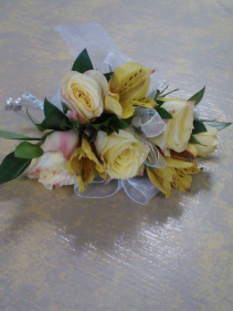 Ultra Deluxe Corsage Corsage