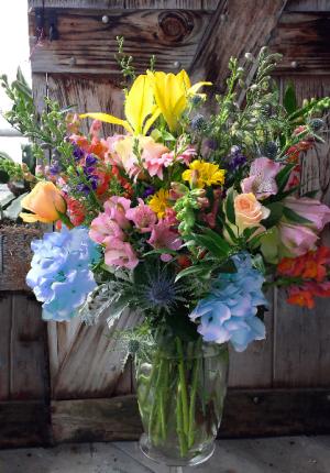 Unconditional Love Vase Arrangement in North Adams, MA | MOUNT WILLIAMS GREENHOUSES INC