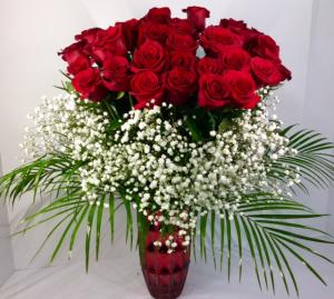 V16 Unforgettable Valentine  in Troy, MI | DELLA'S MAPLE LANE FLORIST