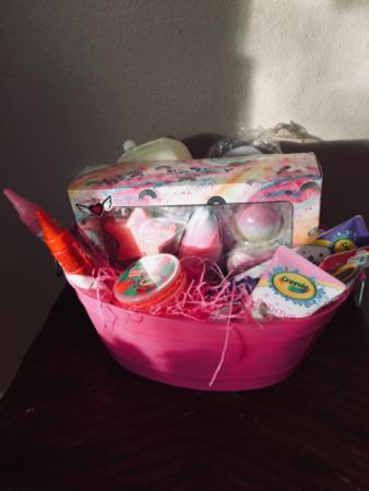 Unicorn  bathtime 1 only  Gift basket