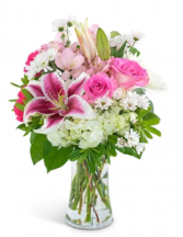 Uniquely Pink Bouquet  Vase