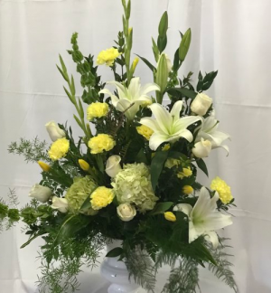 Urn of Yellow and White Funeral Urn in Decatur, TX | A Ray Of Flowers