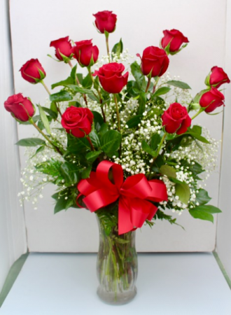 V1 Classic Valentine Rose Arrangement