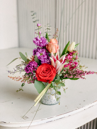 Valentine Special #8 Valentine Fresh Flower Arrangement