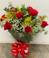 Red roses arrangement love roses