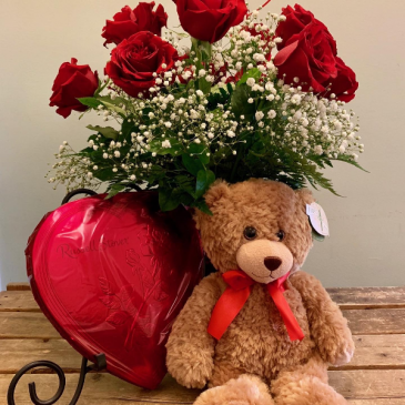 VALENTINE DAY SPECIAL BEAR CHOCOLATES AND ROSES