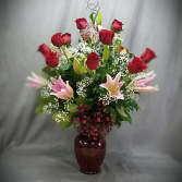 VALENTINE'S BEST OF BAKERSFIELD VASE ARRANGEMENT