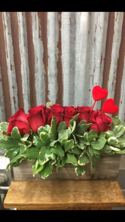 Valentines Country Rose Box *****BEST SELLER**** in San Dimas, CA | O'MALLEY'S FLOWERS OF SAN DIMAS