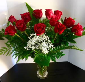 Beautiful  Dozen Red Roses on Limited Glass Crystal Vase in Reno, NV | Flower Bell