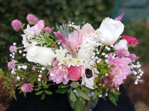 Valentine's Day Arrangement Soft and Mellow  in Missouri City, TX | Flower Peddler