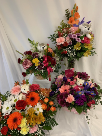 Valentine's Day Special Mixed fresh cut flowers w/ plush