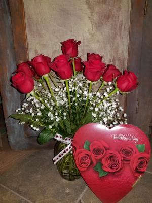 Sweet Heart Early Bird Arrangement sweetheart vase arrangement in Rockford, IL | STEMS FLORAL & MORE