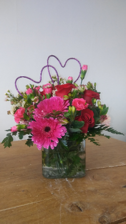 Valentines Special cube Fresh Flowers