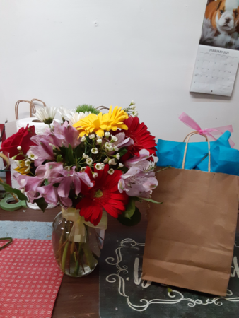 vase and chocolate combo birthday and baby type vase