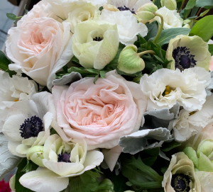 Verano vase arrangment in Northport, NY | Hengstenberg's Florist