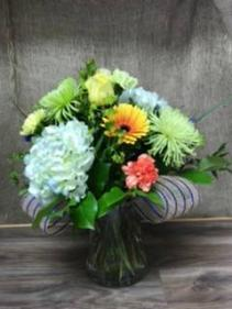 Vibrant and beautiful Vase arrangement