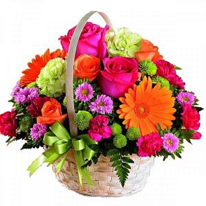 vibrant flower basket in Lebanon, NH | LEBANON GARDEN OF EDEN FLORAL SHOP