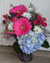 Vibrant Vase Fresh Arrangemen