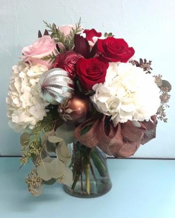 Christmas Flower Arrangements White.Rose Garden Florist