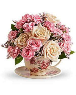 Victorian Tea Cup Fresh Arrangement in Rossville, GA | Ensign The Florist