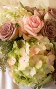 VINTAGE ROSES AND HYDRANGEAS WEDDING BOUQUET